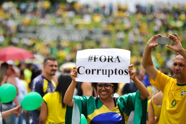 fora_corruptos